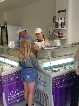 Stranraer, UK: 2 fridges full of deliciously difference icecream flavours