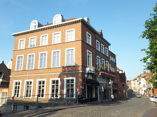 Canalview Hotel Ter Reien: Exterior