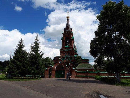 Rakhmanovo, รัสเซีย: Церковь Екатерины Великомученицы в Рахманово Православный храм .Открыто до 15:00 +7 (49643) 7-76