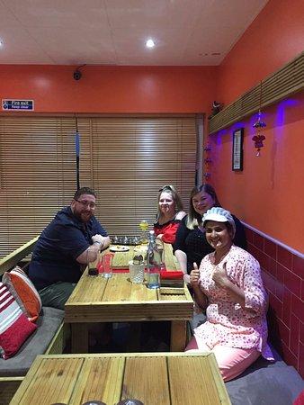 Feltham, UK: Ricky T and friends enjoying their experience at Bindaas BBQ