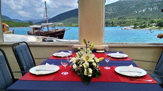 Ston, Chorwacja: 濱海餐廳 以景觀取勝