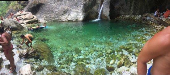 Seravezza, Italie: Cascata di Malbacco