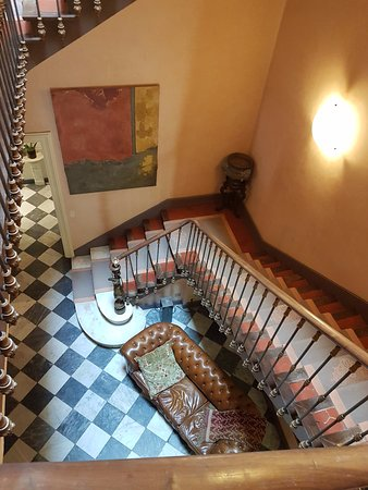 Le Chateau des Alpilles: The staircase