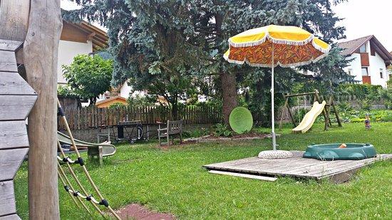 Valdaora, Italia: Il parco giochi dell'albergo