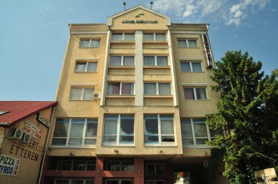 Hotel Chesscom nur 175m vom Metro/Busterminal entfernt