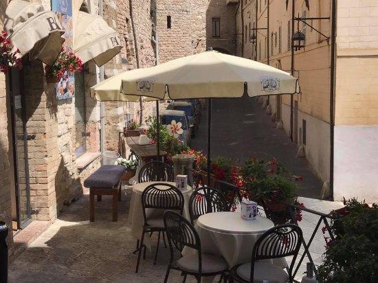 La Piazzetta di Agnese : Tavoli in Piazzetta