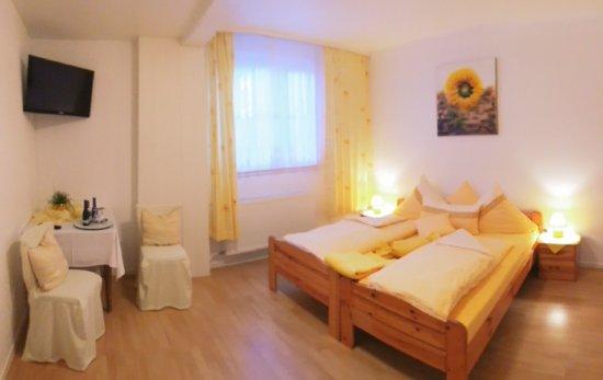 Hofbieber, Almanya: Saubere renovierte Zimmer mit DU WC SAT-TV Fön und WLAN.