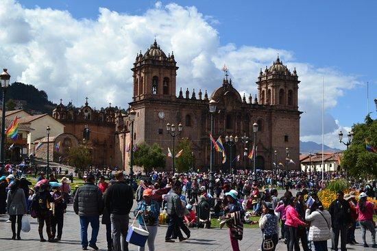 Plaza de Armas Cusco Hotel: Vue sur la place