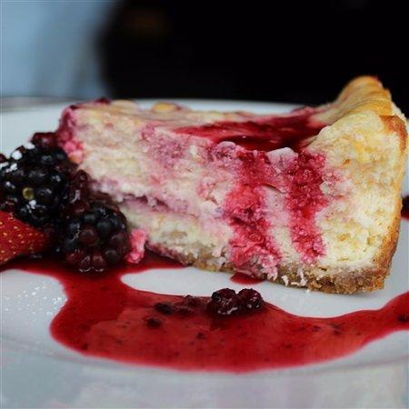 Boroughbridge, UK: White Chocolate & Cherry Cheesecake