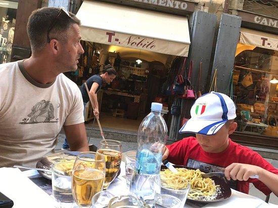 Cortona Cafe Hours