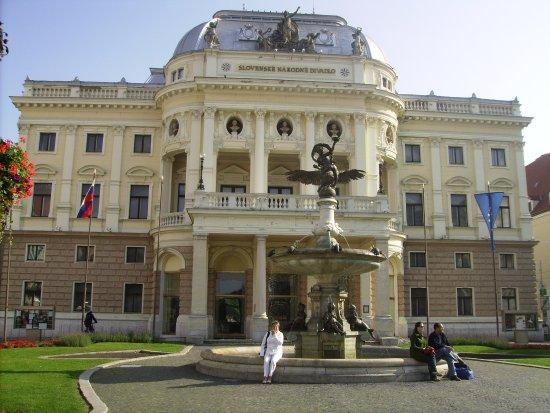 Marrol's Boutique Hotel Bratislava: Cerca del hotel, encuentras todo lo que vale la pena en Bratislava
