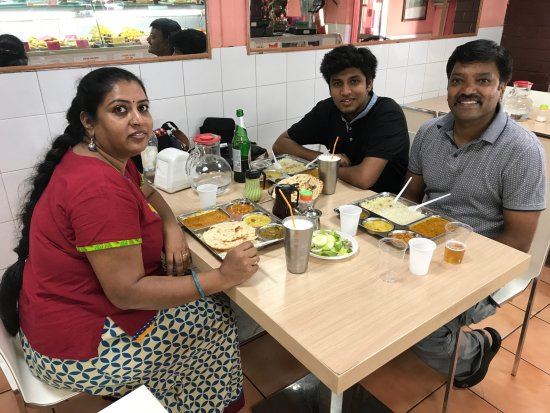 Indian Kabir Fast Food: Enjoyed our meal