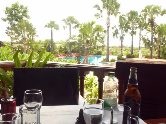 Aureum Palace Hotel & Resort Bagan : Excellent Restaurant with great food.
