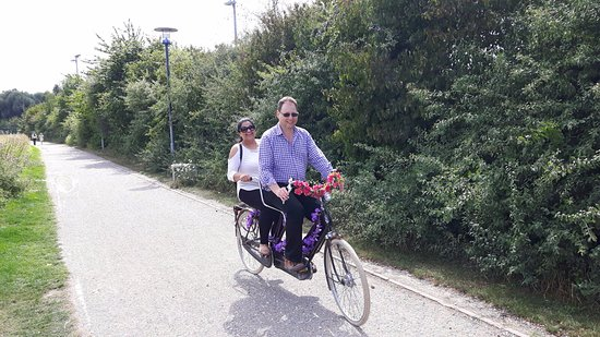 Lille à Vélo By Le Grand Huit : One of the many tandem bikes that were available