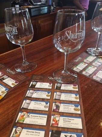 Hammonton, NJ: Souvenir glass and wine selection chart
