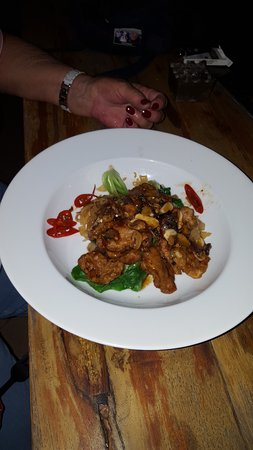Bali Court Hotel and Apartments: stir fry pork