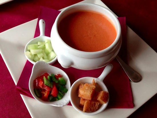 Segur de Calafell, Espanha: Gazpacho Andaluz - Menú de mediodía