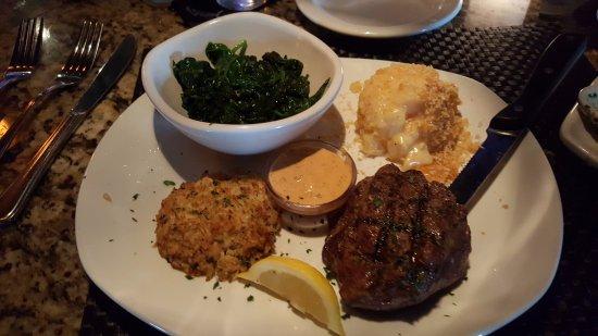 Collierville, TN: Steak and crabcake