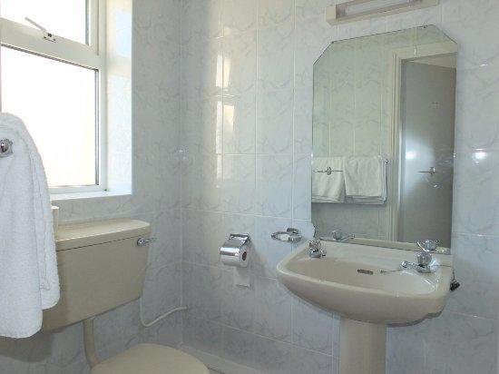 Ballyvourney, Irlanda: Très petite salle de bain