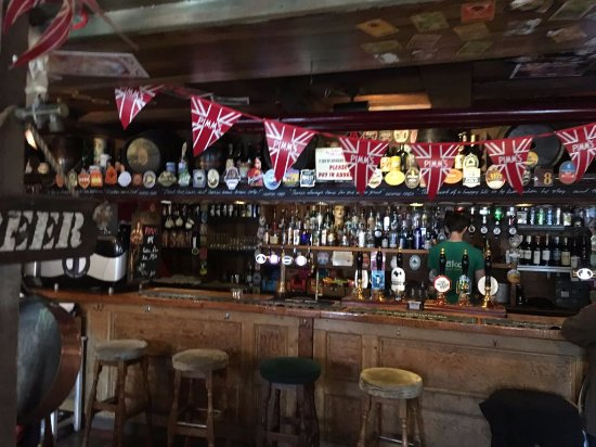 The Old Bookbinders Ale House: Ready to order your beer?