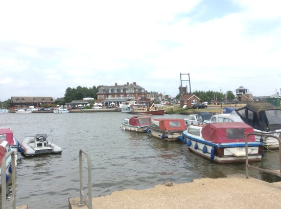Oulton Broad, UK: View of the Broad