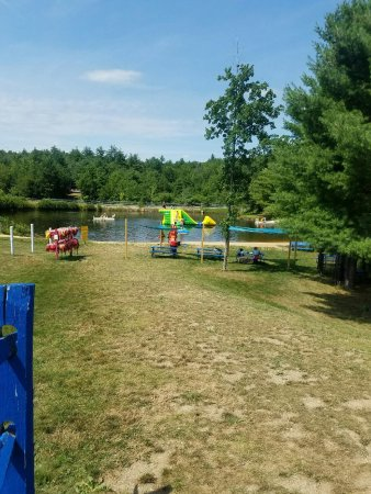 Candia, NH: Water Obstacle course and additional picnic space