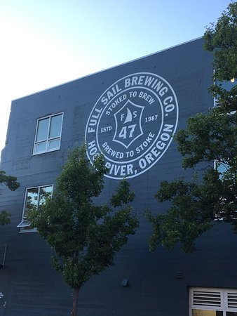 Full Sail Brewing Co: The sign says it all...