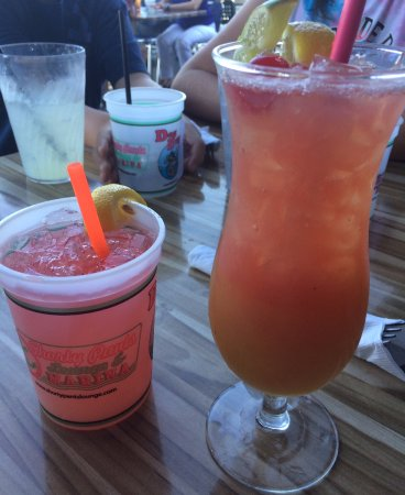 Shorty Pants Lounge and Marina : Both drinks were delicious