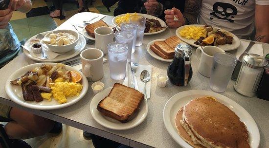 Hermosa Beach, Kalifornia: breakfast