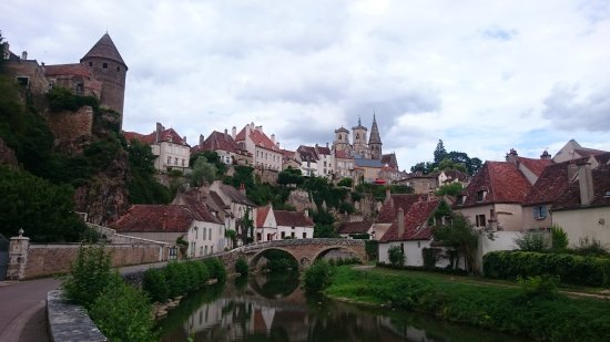 Semur-en-Auxois, Frankrike: DSC_0672_large.jpg