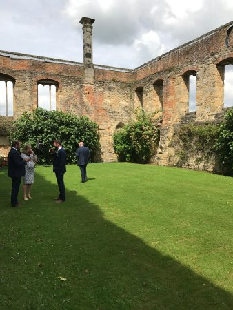 Coxwold, UK: Drinks Reception in the ruins