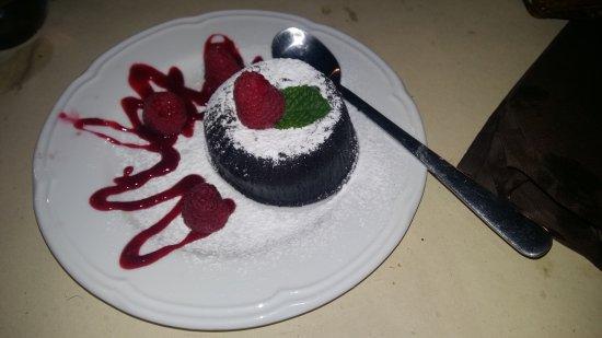 Pallanza, Italy: Tortino al cioccolato
