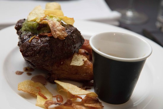 Thredbo Village, Αυστραλία: Our 200g Beef Tenderloin in Zack's Grill Just Mouth Watering.