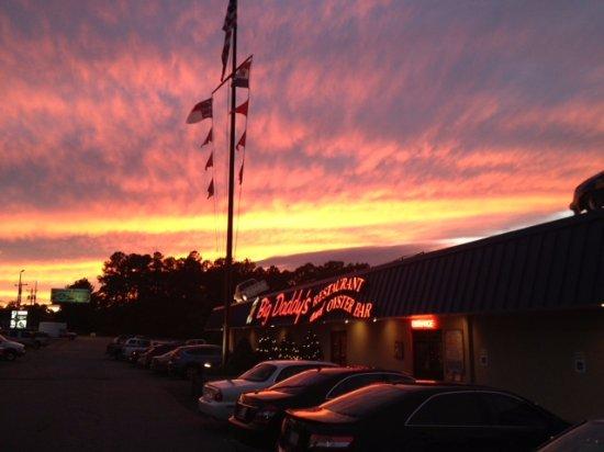 Big Daddy's of Lake Norman: Lake Norman sky at dusk