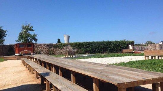 Ploubazlanec, Francia: aire de pique-nique de Milmarin