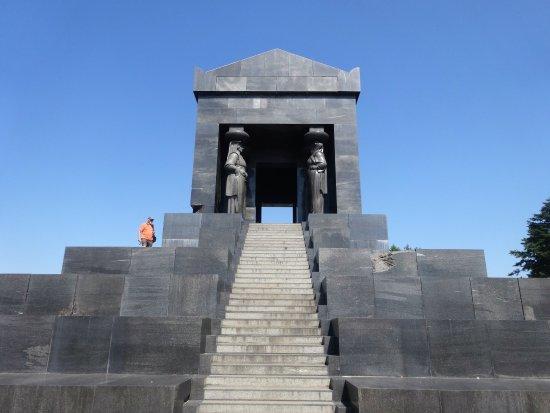 Mountain Avala: Monumento