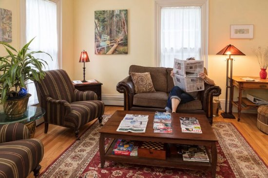 Harding House: relax and read the daily paper or magazine in our parlor