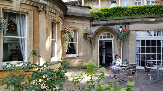 The Lansdown Grove Hotel: tea in the garden patio