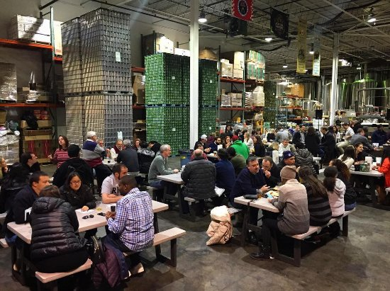 Elmsford, NY: Trivia night at the brewery