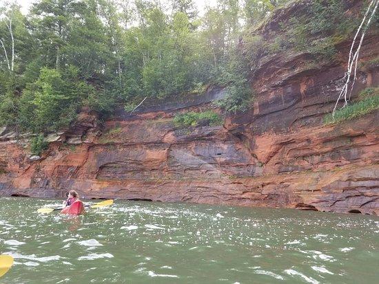 Cornucopia, WI: The rock colors were beautiful.