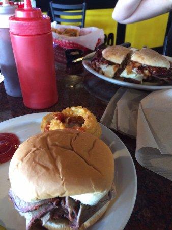 ออตตาวา, แคนซัส: Q Sandwiches.......