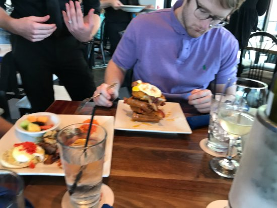 Peli Peli: Waffles and chicken
