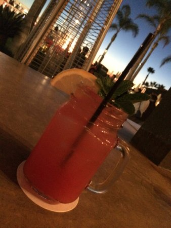 Hotel del Coronado: WATERMELON LEMONADE