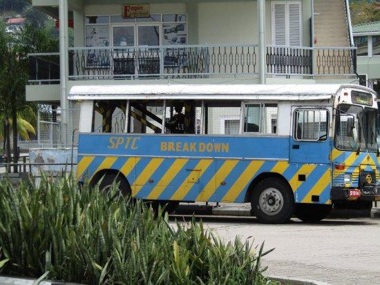 Victoria, Seychellerna: A breakdown vehicle