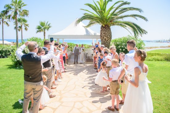 Nissi Beach Resort: Perfect  weeding, prefect location, prefect staff