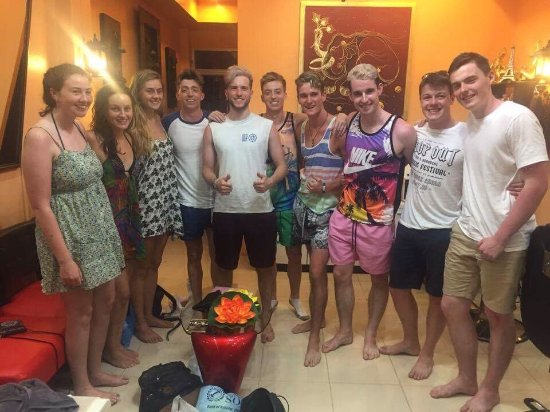 Cha-am, Thailand: Nice customers from ireland came for massage and color hair