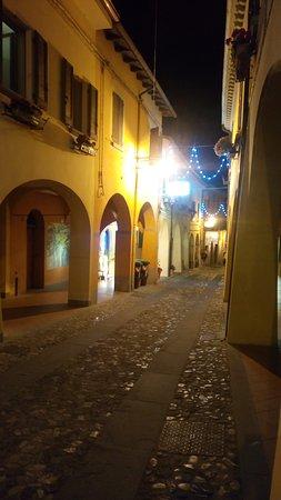 Dozza, Italia: P_20170601_225615_SRES_large.jpg