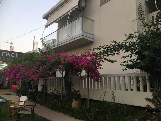 Raisakis Apartments