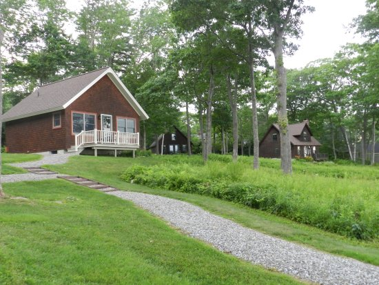 Lincolnville, ME: Three other cabins on the waterfront