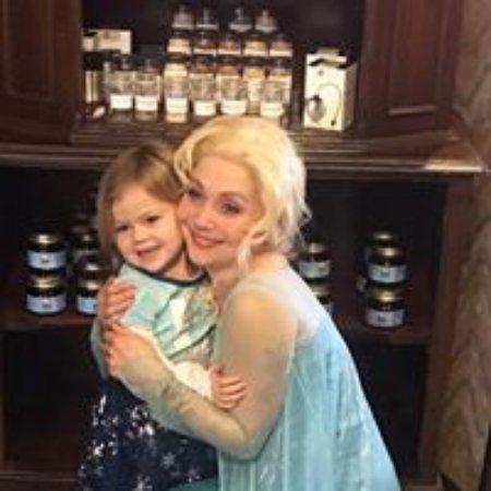 มอร์แกนทาวน์, เวสต์เวอร์จิเนีย: Tea with Elsa